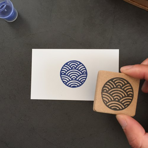 Easy-to-use round Japanese pattern eraser eraser (Qinghai wave)