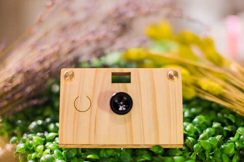 Paper Shoot wooden camera gift (include hardcover box 、 two lens and 8G SD CARD)