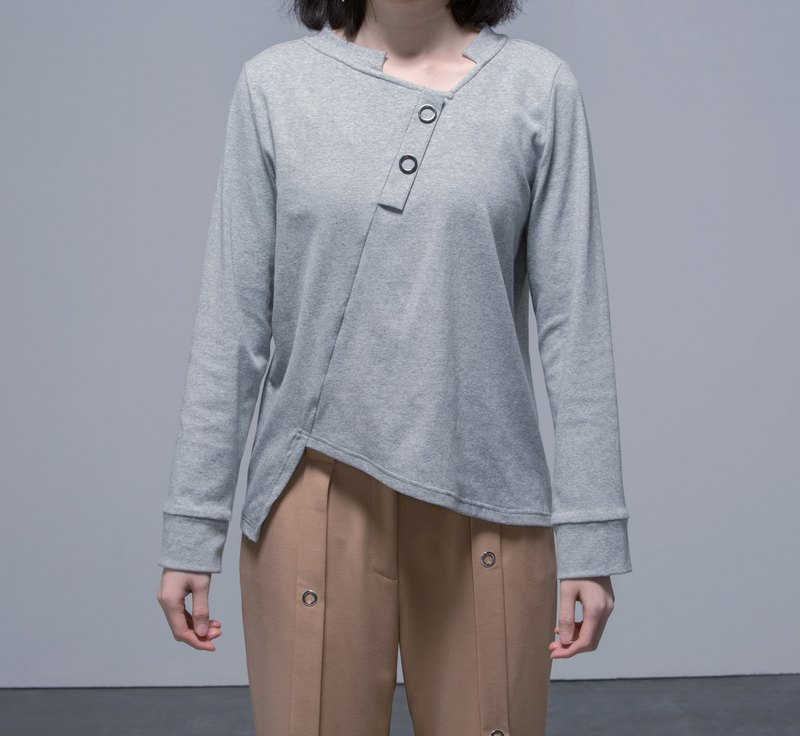 Asymmetric details T-shirt with metal rings in grey