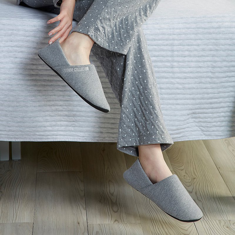 All-inclusive Nordic style slippers