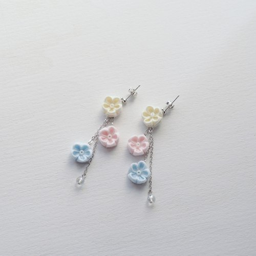 Adorable Fabric Flowers Drop Earrings