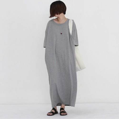 Even if no one buys me, I want to cry. Gray classic matryoshka flagship fun big pocket thin loose cotton large dress long Tee skirt dress black / gray | Fanta tower independent design women's clothing