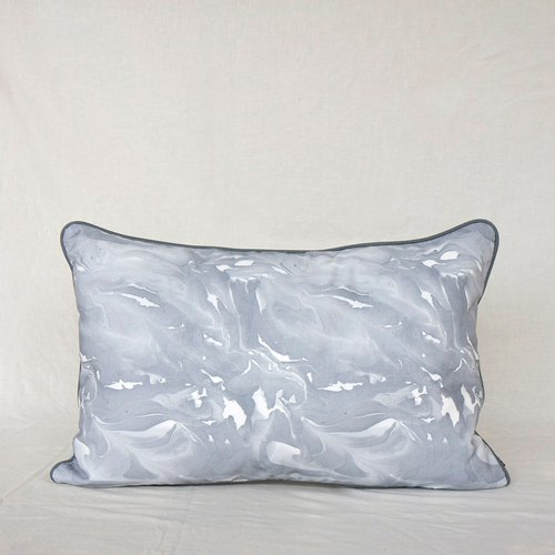 DOWN TO EARTH Cushion in Glacier Gray 40 x 60 cm