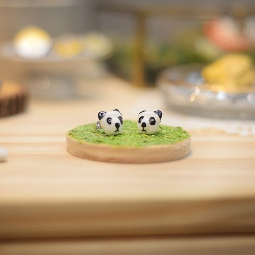 a little cute panda earrings from Niyome clay.