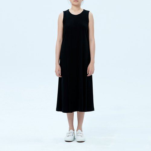 Black pleated simple styling dress 甫月 fuyue