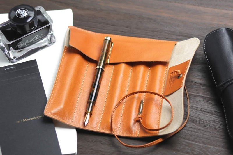 革職人 LEATHER FACTORY【DUALLINE Roll Pen Case】Made in Japan