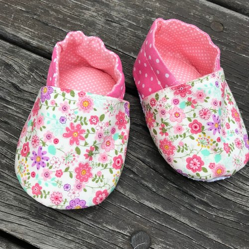 Pink Floral <Toddler shoes. Baby shoes> Handmade shoes