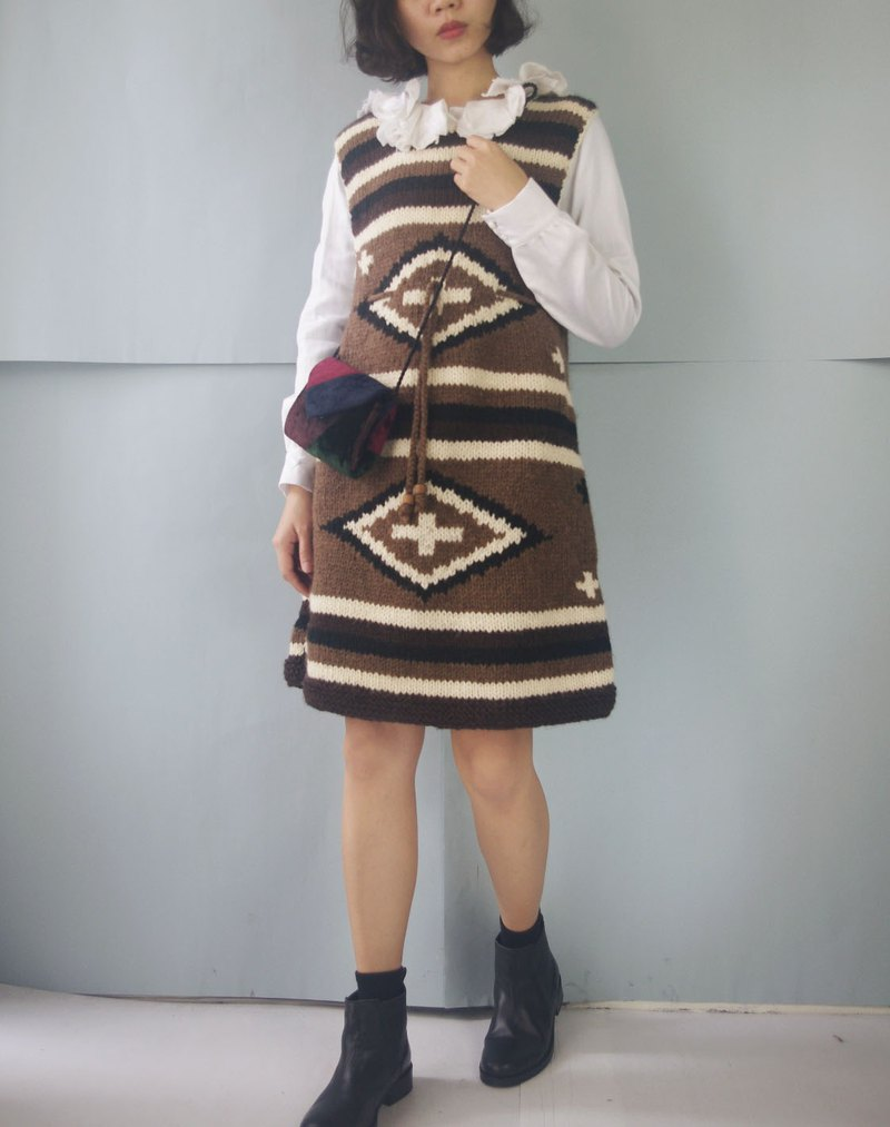 Treasure hunt vintage - hippie style thick knit totem vest dress
