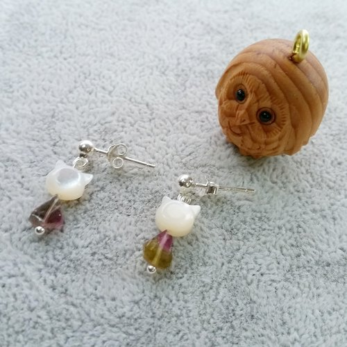 Watermelon Bibi, Fritillaria kitten Pure silver earrings tourmarine, cat shape mother pearl 925 silver earring