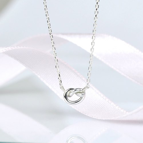 tiny love knot necklace / heart knot / sterling silver / simple every day jewelry,best friend gift