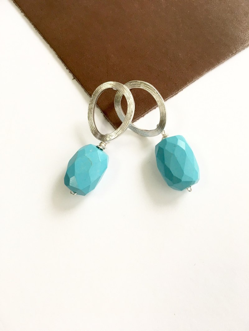 Magnesite turquoise and Ellipse earring