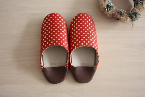 Baboosh polka dot red pigskin (M)