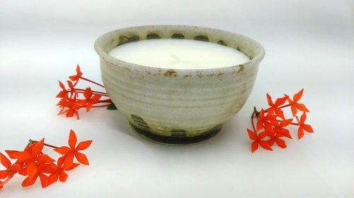 Organic Soy Wax Candles in Pottery Pot