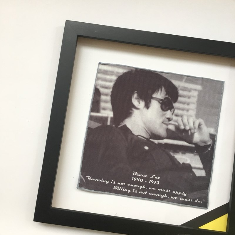 Bruce Lee Souvenir Collection - Bruce Lee B&W Photo