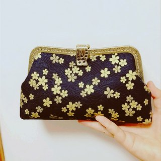 (On the new first 50% off) can be embroidered word engraved mouth gold bag and wind cherry blossom cheongsam bag Messenger bag mobile phone bag bag evening bag bag cosmetic bag pencil box iphone mobile phone bag birthday gift custom gift
