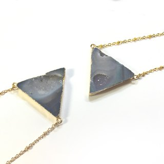 Agate necklace (triangle)
