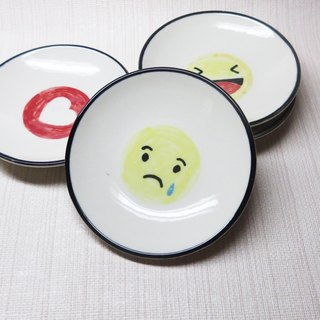 【Painted series】 Emoticons small dish (crying face)