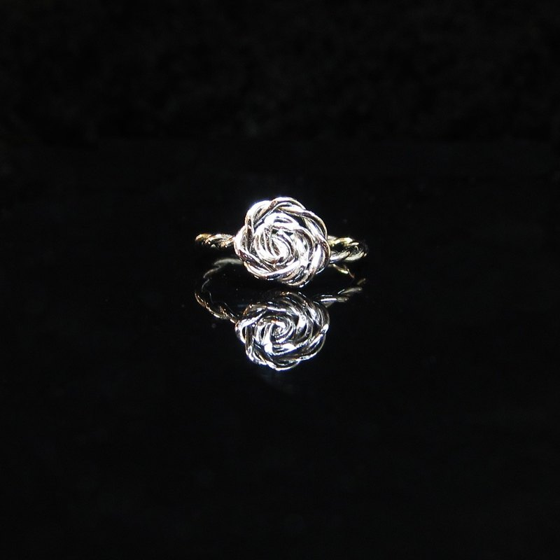 Winwing wire braid - [cannabis rose ring]. Handmade. Commemorative ring.