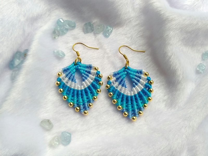 E010-Hand-woven leaves Japanese gold-plated beads earrings blue leaves
