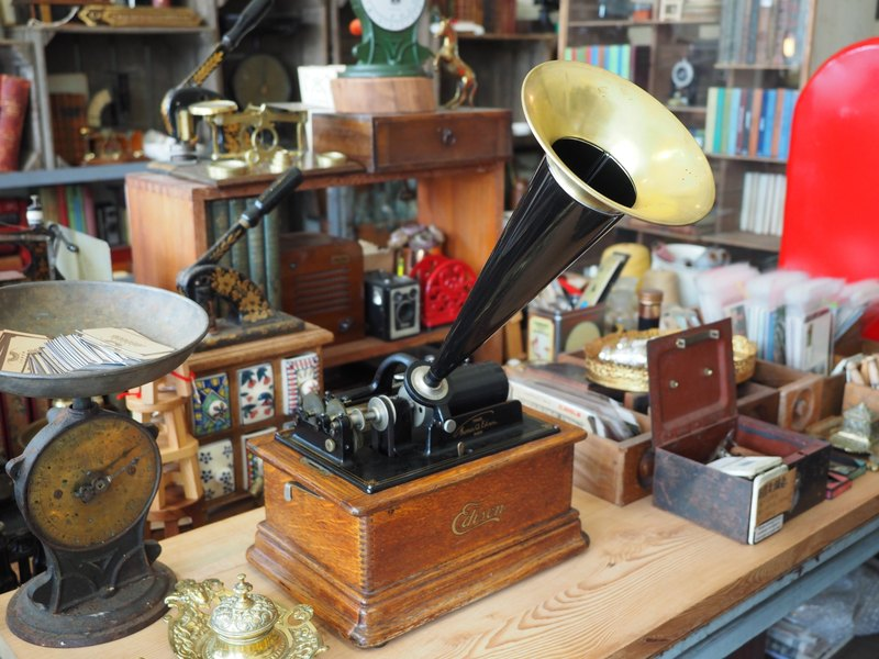 American made 1905 Edison drum phonograph from Edison family descendants function normal play sound clear loud need to pre-order please contact us first
