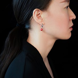 The cinnabar ear ring is not original s925 sterling silver red natural natal life female sleeping can wear earrings