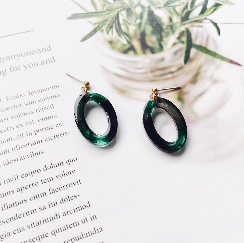 La Don - Geometric Ellipse - Deep Green Tea Garden Ear/Ear clip