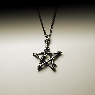 Vines star necklace