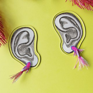 ARRO / Embroidery / Earrings / TROPICAL FISH / VIVID PINK