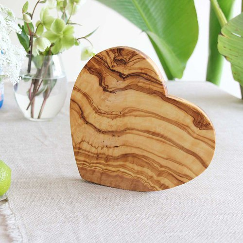 Whole olive wood C'est bon love cake plate / hot pad