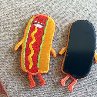 Cloth Embroidery Magnets - Happy Food Series Waxy Hotdog Fort (single)