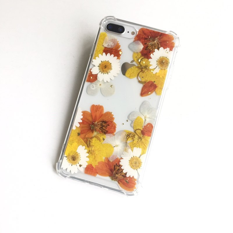 The natural park - pressed flower phone case