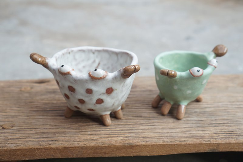 Crab plant pot handmade ceramic, set of 2