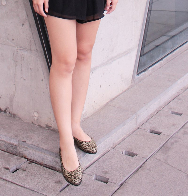 MIT [Pointed Toe Flat Shoes-Black Gold] Flat Shoes Pointed Toe Shoes Leather Lambskin Soft Sole Non-degumming