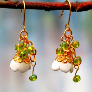 14kgf . Breeze Earrings. Brass .  White. Green. Fresh and Pretty. Gift