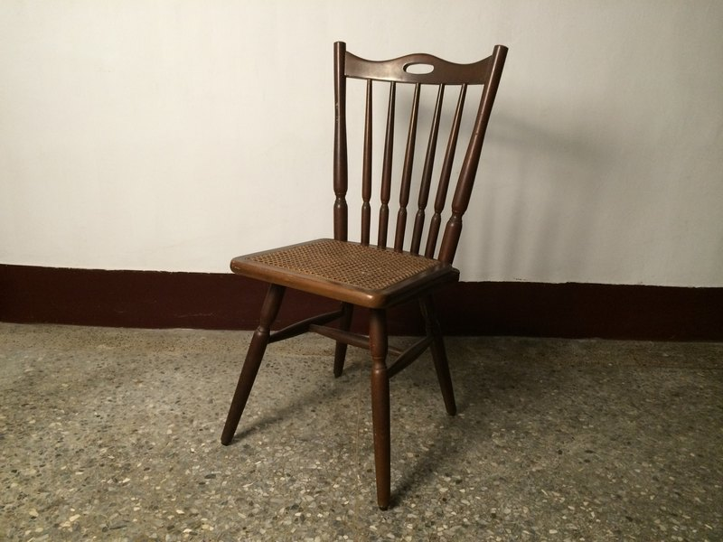 Old military dependents Nordic Windsor chairs wooden chairs chairs rustic gold industrial wind grocery zakka pop style ancient nail props eyelashes new secret wedding photography ikea coffee fleshy dried Hanano restaurant Snacking Patchwork