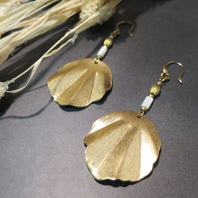 VIIART. Enchanting. Shell beads brass exaggerated earrings - can be clipped