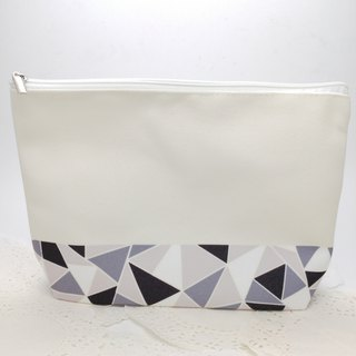 Mosaic Pattern Makeup Bag - Black and White color