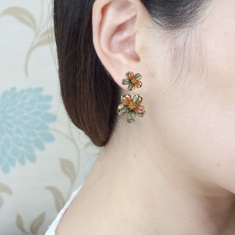 Double buckle pastel cherry blossom inlaid Hekimon crystal earrings detachable two-wear handmade jewelry pre-order