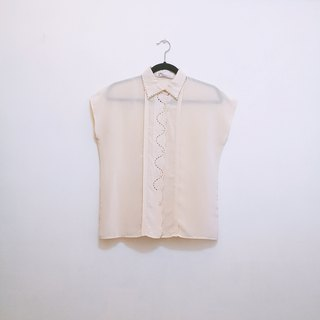 / Linton Dream / Cream Vanilla Embroidered Sleeveless Shirt