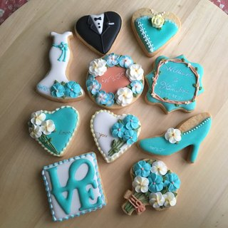 Wedding Small Things | elegant wedding cookies 10 group