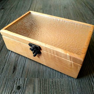 Handmade Taiwan Elm glass box is unique