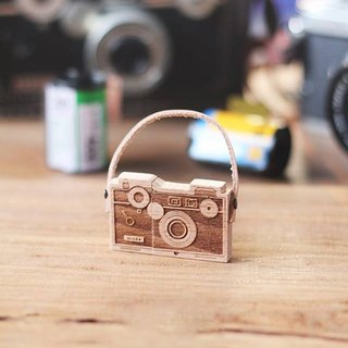 CUSTOMIZABLE Wooden Camera USB Flash drive – Argus
