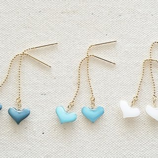 pastel mini heart pierced or clip-on earrings  <blue, blue gray, white>