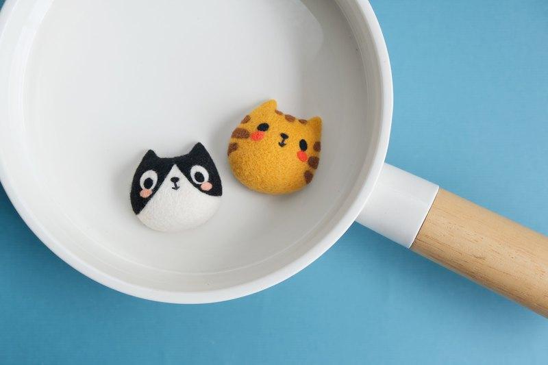 樂洋 X Mia・好好玩羊毛氈材料包-布嚕兄弟 / Bubu(黑白貓)別針