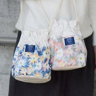:::Bangstree:: Shoulder Bucket Bag -painted flower