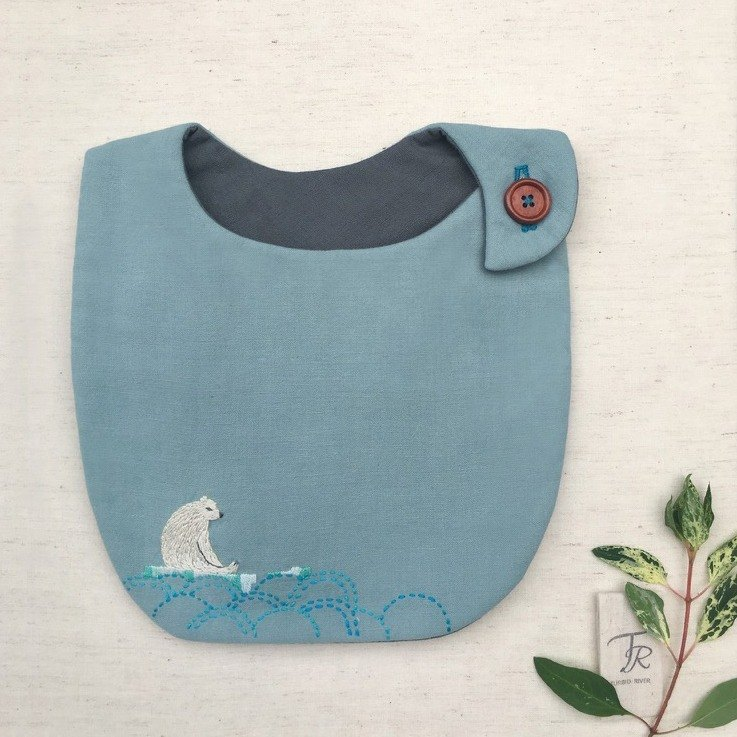 Customized name hand-embroidered lonely Arctic embroidery baby bibs saliva towel Mi Yue