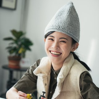 Give yourself a Christmas gift winter sharp-pointed wizard wool cap - light gray
