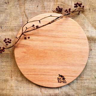 Classic circular chopping board │ wobble plate, light food │ oak