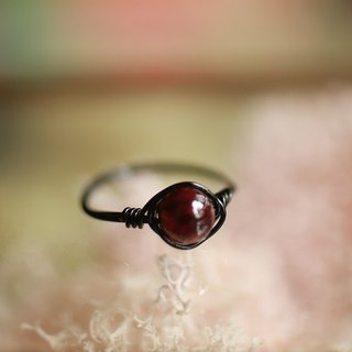 5.5 mm red garnet copper wire ring <Black>
