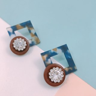 SS18 Square Crystal Flower Earrings - Blue